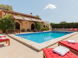 Perfect 5 bedroom Villa in Pollenca with A/C - Pollenca vacation rentals