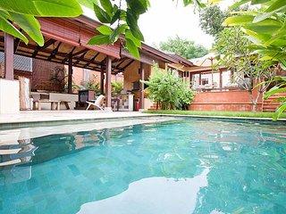 Perfect Villa with Balcony and Microwave - Koh Lanta vacation rentals