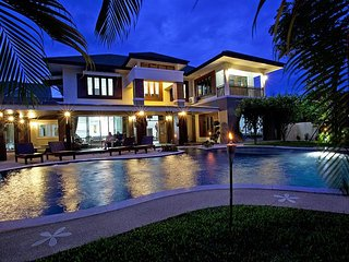 Expansive 6 bed villa at Chiang Mai - San Phi Suea vacation rentals