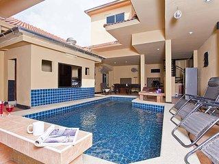 East Pattaya 7 Bed villa with Pool - Pattaya vacation rentals
