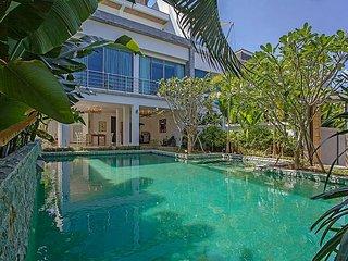 Romantic Sea View Villa with 4 Bedrooms - Chalong vacation rentals