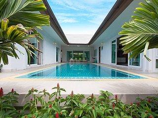 3 bedroom Villa with Shared Outdoor Pool in Bang Lamung - Bang Lamung vacation rentals