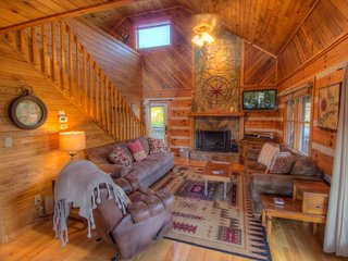 3BR Log Cabin with Views, 5 Minutes to Boone, Close to All Attractions, Hot - Boone vacation rentals