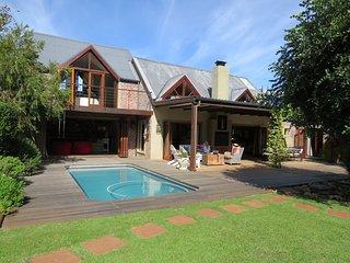 Willoughby Villa, in the heart of Noordhoek - Noordhoek vacation rentals