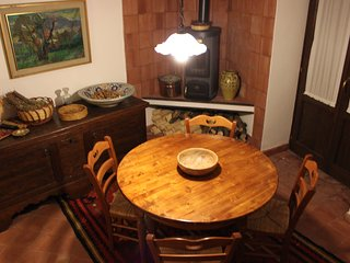 Adorable House in Buccheri with A/C, sleeps 2 - Buccheri vacation rentals