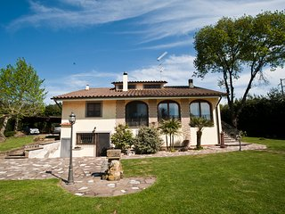 Cozy 3 bedroom Canale Monterano House with Internet Access - Canale Monterano vacation rentals