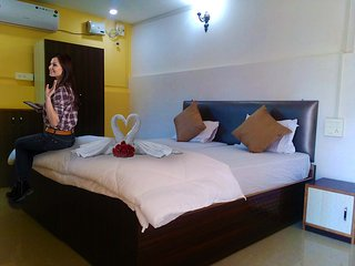 Avelina Guest House Room 6 Deluxe Seaview Room - Pololem vacation rentals