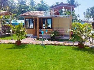 Avelina Guest House Room 3-Garden View - Pololem vacation rentals