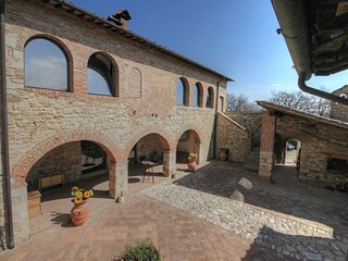 Nice Condo with Internet Access and Television - Serre di Rapolano vacation rentals