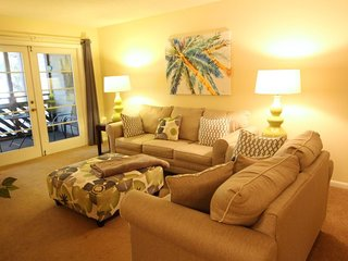 Convenient to Beach and both Pools - just a block and half to the Ocean A6 - Arcadian Shores vacation rentals