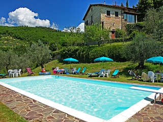 2 bedroom Condo with Shared Outdoor Pool in Rufina - Rufina vacation rentals
