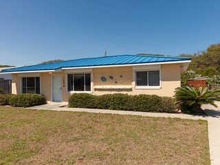 Steps from the beach; Just bring your toothbrush! - New Smyrna Beach vacation rentals