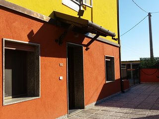Nice 2 bedroom Marghera Apartment with Internet Access - Marghera vacation rentals