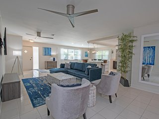 Starfruit Beach House-Heated Pool-Grill-Bikes-Walk to Beach - Naples vacation rentals