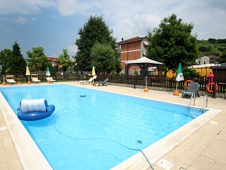 2 bedroom Condo with Shared Outdoor Pool in Cisterna d'Asti - Cisterna d'Asti vacation rentals