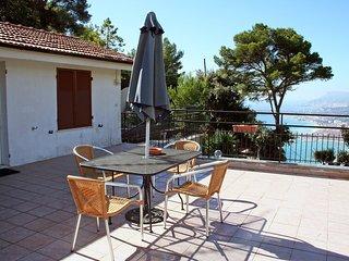 2 bedroom Apartment with Balcony in Grimaldi - Grimaldi vacation rentals