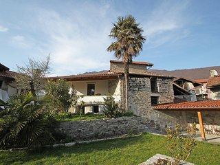 Bright 2 bedroom Mergozzo House with Internet Access - Mergozzo vacation rentals