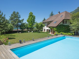 Charming Villa with Internet Access and A/C - Menthon-Saint-Bernard vacation rentals
