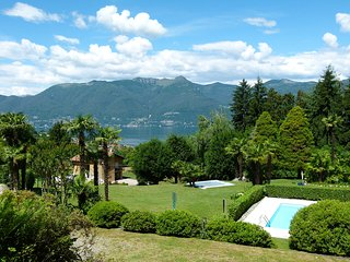 Beautiful 1 bedroom Apartment in Luino with Shared Outdoor Pool - Luino vacation rentals