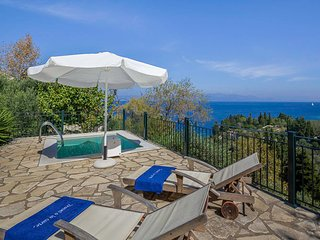 Perfect Villa in Loggos with Balcony, sleeps 2 - Loggos vacation rentals