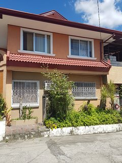 Cozy 2 bedroom Mabalacat Apartment with Internet Access - Mabalacat vacation rentals