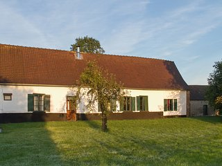 Beautifully renovated 1920s farmhouse in idyllic Picardy, northern France, with 3 bedrooms & garden - Crecy-en-Ponthieu vacation rentals