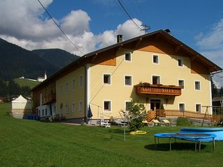 Lovely flat in Tyrol, Austria, with modern amenities - Strassen vacation rentals