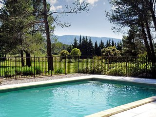 Stunning villa in Provence with large pool and garden - Eygalieres vacation rentals