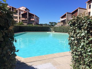 Central studio apartment overlooking Capbreton marina, w/ pool & scenic terrace – minutes from beach - Capbreton vacation rentals