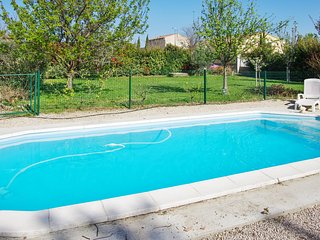 Enchanting house with views of Mont Ventoux, a private pool and games room – sleeps 10 - Sorgues vacation rentals