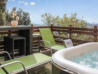 Modern flat in Barbaggio, Haute-Corse, with incredible views of the sea and mountains - with Jacuzzi ! - Barbaggio vacation rentals