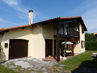 Apartment in Mimizan, Aquitaine, with modern amenities and garden - Mimizan vacation rentals