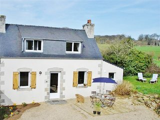 Immaculate and luminous cottage in Brittany with garden, Internet, 15mn from the sea - Tremel vacation rentals