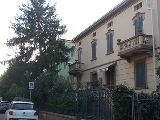 Gli Oleandri, mini in villa con giardino - Modena vacation rentals