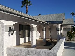 Spacious 2 bedroom in Sun City West - Sun City West vacation rentals