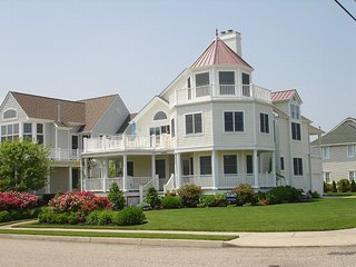 CAPE MAY, LUXURY, OCEAN VIEWS, STEPS TO BEACH - Cape May vacation rentals