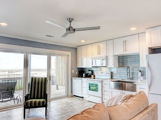 Sea-cret Hideaway: Oceanfront, Newly Renovated-N - Topsail Beach vacation rentals