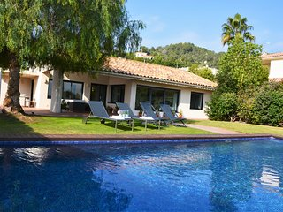 Villa Golf Sitges Vue incroyable. High Design. Plein Pied. Grande Comodité. - Sitges vacation rentals