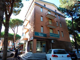 2 bedroom Apartment with Parking in Rosolina - Rosolina vacation rentals