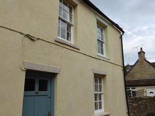 Character Cottage in Picturesque Sherston - Sherston vacation rentals