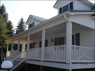 3 bedroom Lodge with Internet Access in Hesston - Hesston vacation rentals
