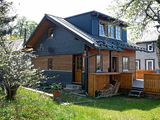 Beautiful 2 bedroom House in Oberweissbach with Internet Access - Oberweissbach vacation rentals