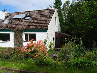 Easternmost Cottage: cosy, spacious, wildlife-rich - Acharacle vacation rentals