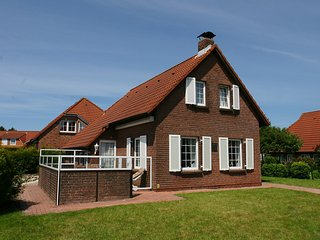 Gorgeous House in Norddeich with Television, sleeps 4 - Norddeich vacation rentals