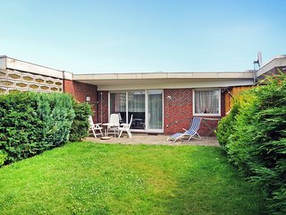 Beautiful House in Norddeich with Television, sleeps 4 - Norddeich vacation rentals