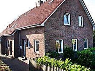 Cozy 2 bedroom House in Dornumersiel - Dornumersiel vacation rentals