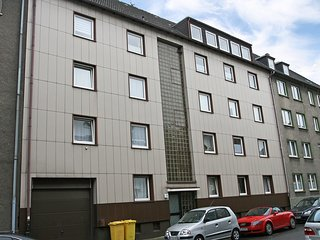 Beautiful Condo with Internet Access and Television - Gelsenkirchen vacation rentals
