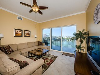 Large 3 Bedroom 3 Bathroom condo right on the water ! - Clearwater vacation rentals