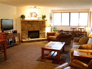 Cozy 2 bedroom Copper Mountain Condo with Balcony - Copper Mountain vacation rentals