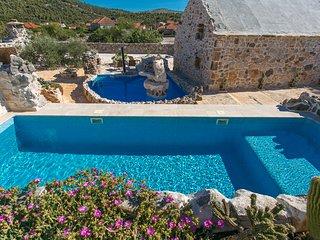 Property with 2 pools & wine cellar - Vrsine vacation rentals